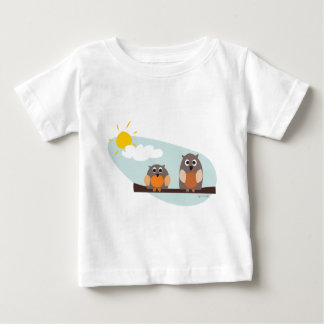 Funny owls on branch on sunny day baby T-Shirt