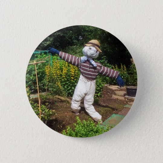 Funny scarecrow 6 cm round badge