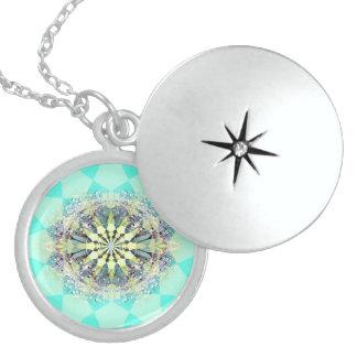 fusion_dewfresh round locket necklace