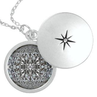 fusion_skylight round locket necklace