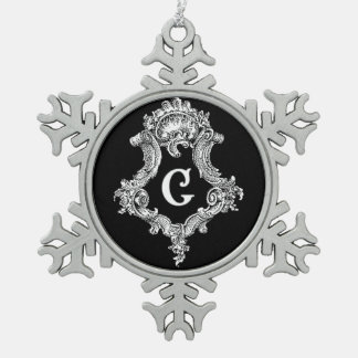 G Monogram Initial Ornament