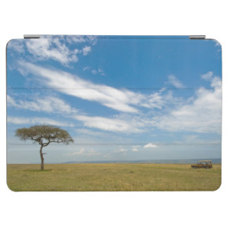 Game drive vehicle on open African plains iPad Air Cover