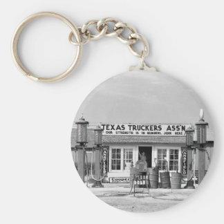 Gas station - Edcouch, Texas: 1939 Basic Round Button Key Ring