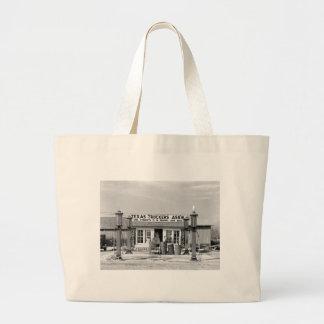 Gas station - Edcouch, Texas: 1939 Bag