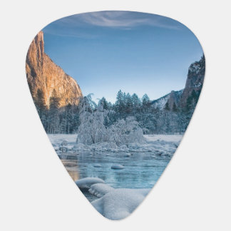 Gates in Yosemite Plectrum