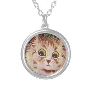 Gato Round Pendant Necklace