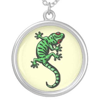 gecko round pendant necklace