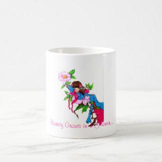 Geisha Thumbelina Basic White Mug