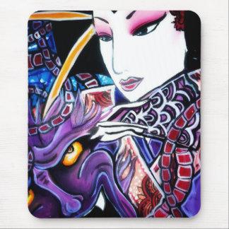 geisha with demon mouse mat