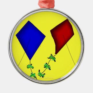 Gem Kites Silver-Colored Round Decoration