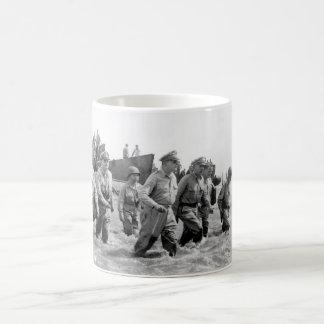 Gen. Douglas MacArthur wades ashore_War Image Coffee Mug
