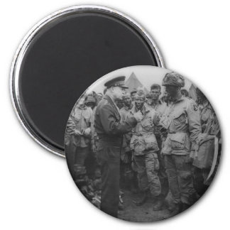 General Dwight D. Eisenhower with Paratroopers 6 Cm Round Magnet