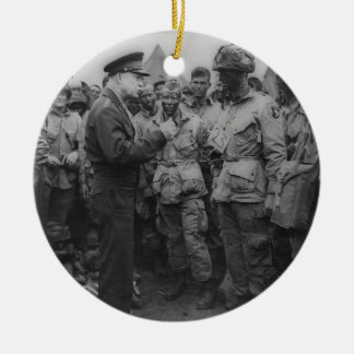 General Dwight D. Eisenhower with Paratroopers Round Ceramic Decoration