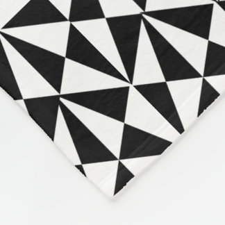 Geometric Bold Retro Funky Black White Design Fleece Blanket