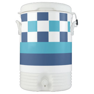 Geometric pattern in blue cooler