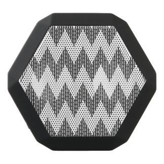 Geometric zigzag pattern black bluetooth speaker