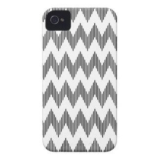 Geometric zigzag pattern iPhone 4 covers