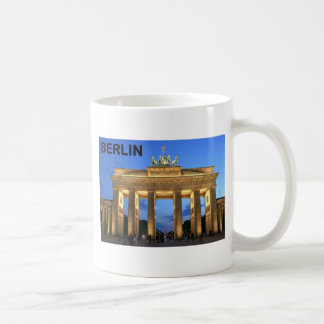 Germany Berlin Brandenburger Tor abends Basic White Mug