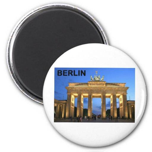 Germany Berlin Brandenburger Tor abends Magnet