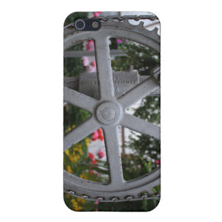 Get in Gear. Urban Gear Wheel in florist. Covers For iPhone 5