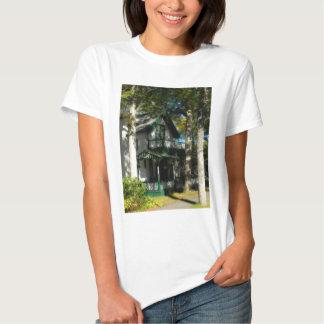 Gingerbread house 12 tshirts