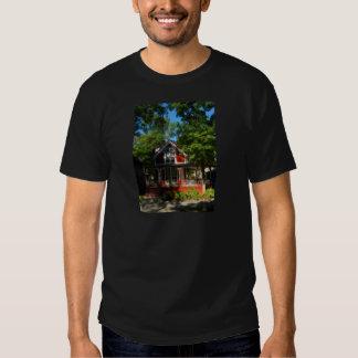 Gingerbread house 20 tee shirt