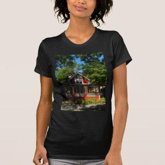 Gingerbread house 20 t-shirt