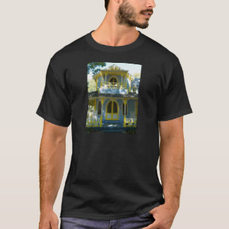 Gingerbread house 31 T-Shirt