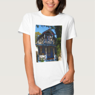 Gingerbread house 32 t shirts