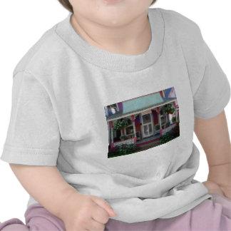Gingerbread house 34 tshirts