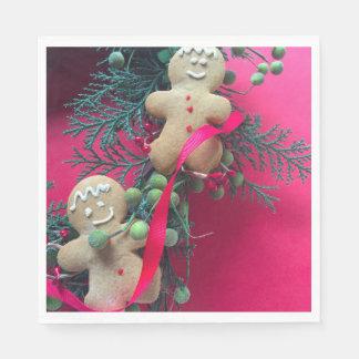 Gingerbread men on wreath disposable serviettes