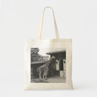 Giraffe in London tote bag