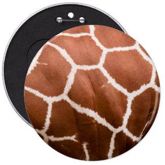 Giraffe pattern pin