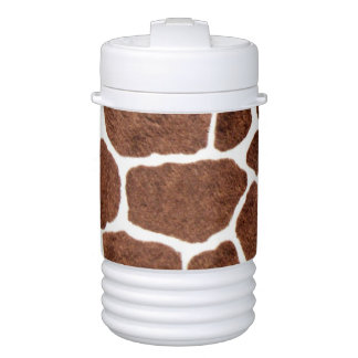 Giraffe spots drinks cooler