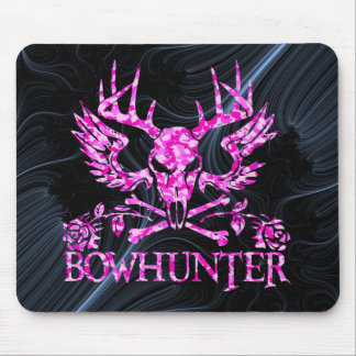 GIRL BOWHUNTER MOUSE MAT