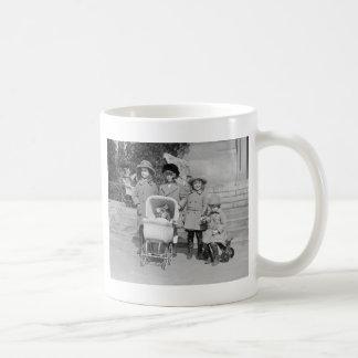Girls Day Out, 1922 Basic White Mug