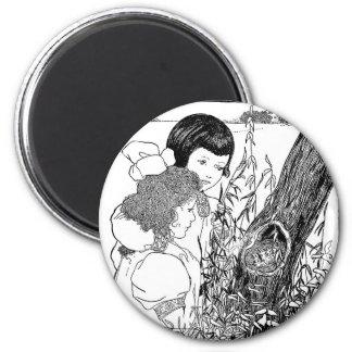 Girls Found A Bird Nest 6 Cm Round Magnet