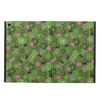 Girly Punk Skulls on Flower Camo background iPad Air Covers