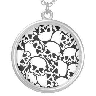 glamorous Skull Round Pendant Necklace