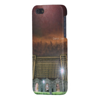 Glossy iPhone 5 Detroit Train Station iPhone 5/5S Cover