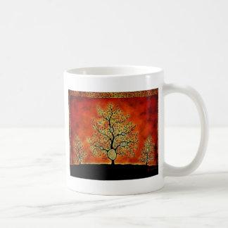 GLOWING TREE OF LIFE-VINTAGE BASIC WHITE MUG
