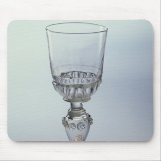 Goblet with round funnel bowl mouse pad