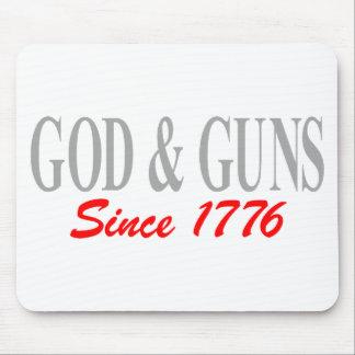 GOD & GUNS MOUSE MAT
