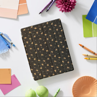 Gold and Black Clover Pattern iPad Cover