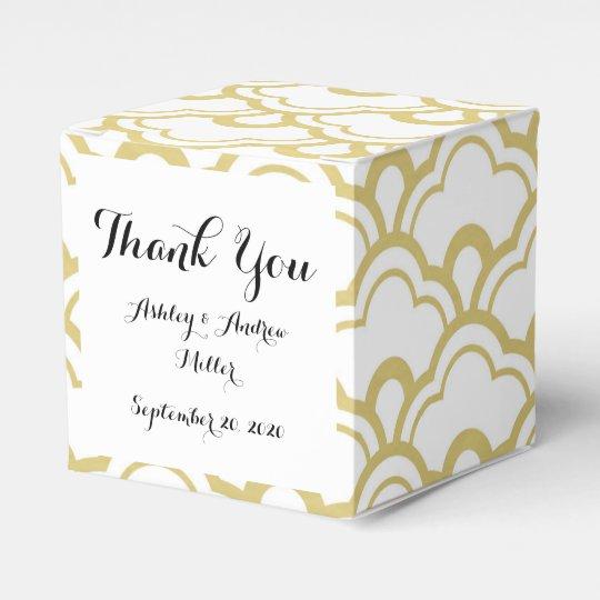 Gold Foil White Scalloped Shells Pattern Favour Box