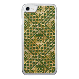Gold Green Square Shapes Celtic Knotwork Pattern Carved iPhone 8/7 Case