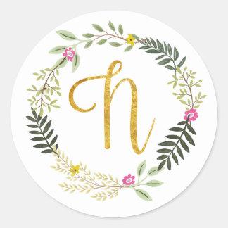 Gold Monogram Leaf N Classic Round Sticker