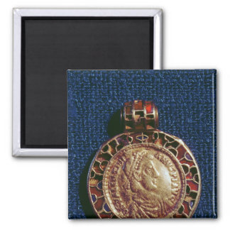 Gold pendant in the form of a coin square magnet