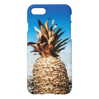 Gold Pineapple on the Beach iPhone 8/7 Case