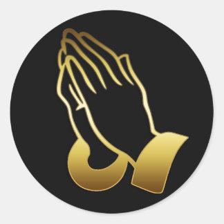 GOLD PRAYING HANDS ROUND STICKER